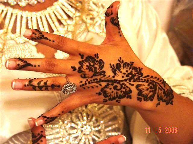 Maxalae dessins simples hnna marocain hnn mehendi - Dessin de henne pour les mains ...